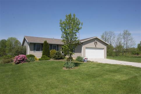13541 Magers Road At The Apple Valley Lake