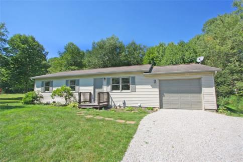 2783 Apple Valley Drive Howard Ohio 43028 at The Apple Valley Lake