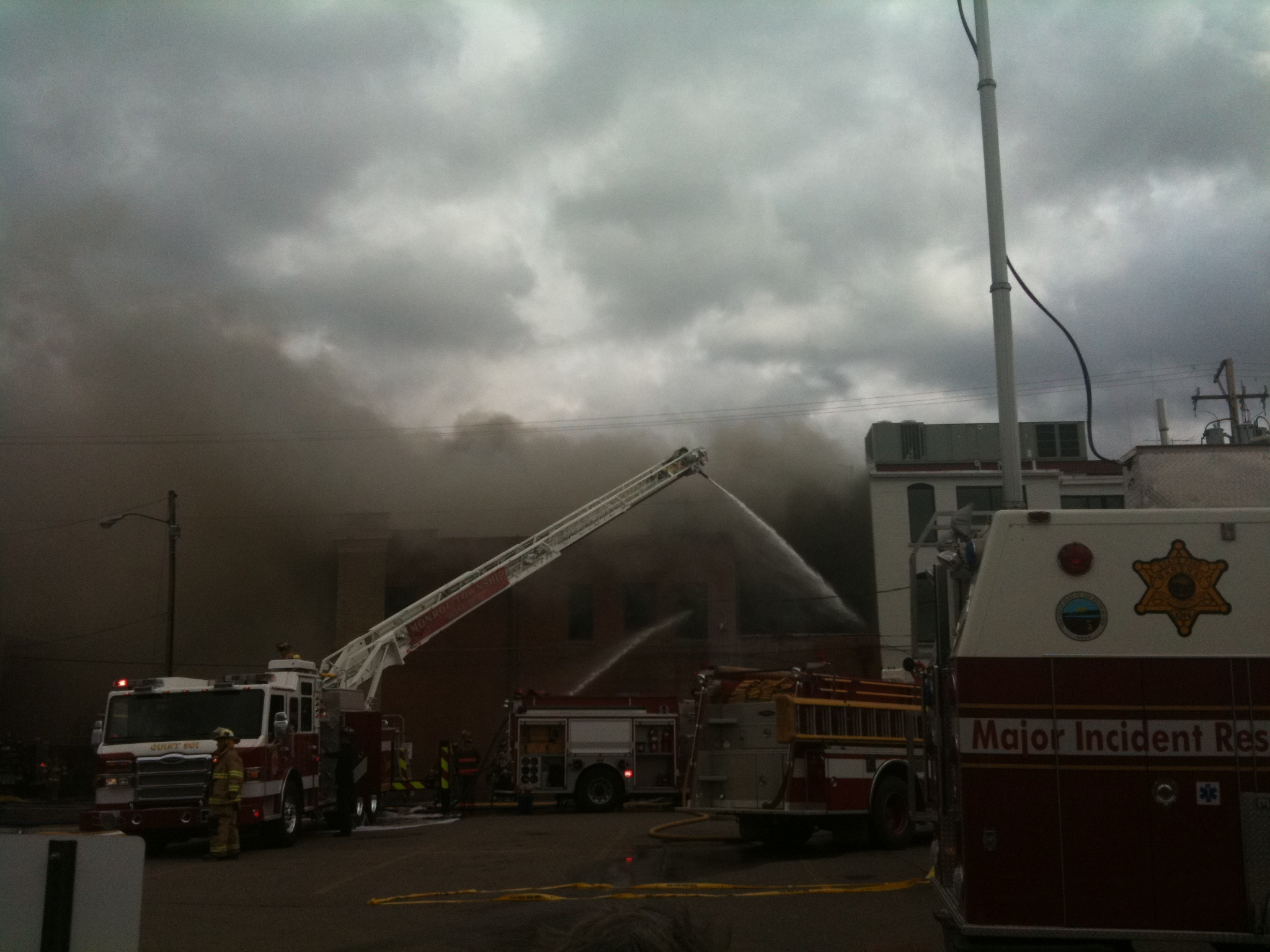 Mount Vernon Ohio Fire Photo by Sam Miller
