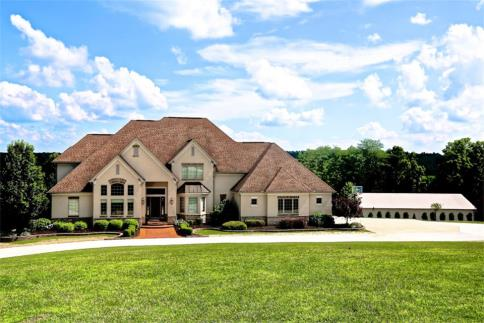mount vernon ohio luxury home with 12 9 acres and 60 x 100